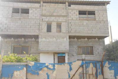 أرض مبنى عليها بيت مساحة الأرض 280 متر والبناء على 140متر