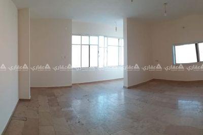 شقة مشطبة للبيع بعمارة سكنية