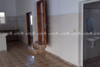 شقة للايجار - مساحة 200 متر