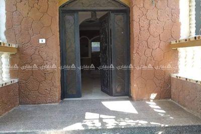 شقة للإيجار مقابل مسجد زايد