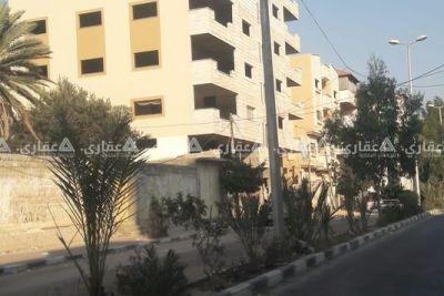 شقة عضم للبيع في عمارة حديثة